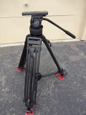 Sachtler DV 12 TB Touch Bubble Pro Video Fluid Head w/CF legs and Mid level Spreader