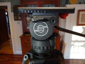 Sachtler DV 12 TB Touch Bubble Pro Video Fluid Head w/CF legs and Mid level Spreader