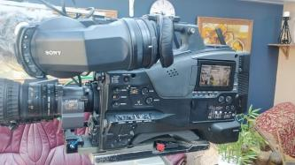 SOLD! Sony PXW-X500 w/Sony HDVF C30 Color View Finder