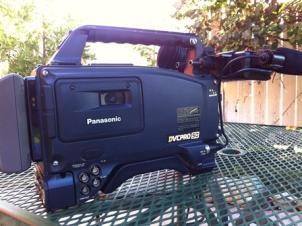 Panasonic AJ-SDX900 2/3-inch 3CCD DVCPRO50 Camera-Recorder